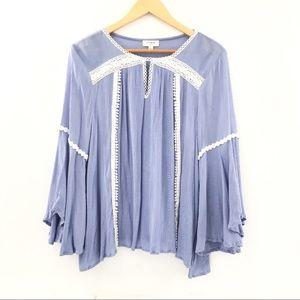Umgee Blue & Cream Bell Sleeve Tunic Size Large